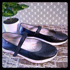 Easy Spirit Women's shoes